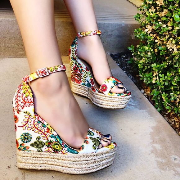 e2930bad41f2 Open Toe Embroidered Espadrille Wedge. NWT. BAMBOO